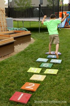 These Fabulous and Fun Summer Lawn Activities with make your yard the envy of the neighborhood! Easy DIY yard games and backyard party ideas are featured. Backyard Play Spaces, Outdoor Play Spaces, Backyard Playground, Backyard For Kids, Backyard Games, Diy Outdoor Toys, Outdoor Toys For Kids, Outdoor Activities For Kids, Outdoor Games