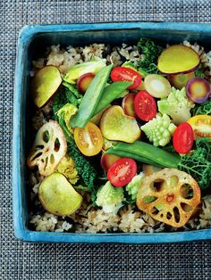 Lunch Box Recipe : ひじきと新玉ねぎの炊き込みごはん いろいろ春野菜/まるで野菜の宝石箱! いろんな味が楽しめる