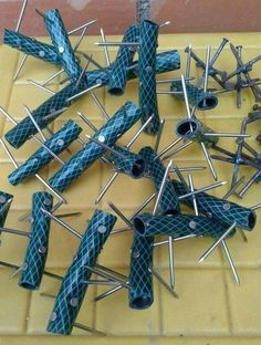 #Preppers/Survivalist #Caltrops (tires) Self Protection (Early Warning System) Easy to Make, Cheap & Effective. http://dunway.us/kindle/html/frugal1.html