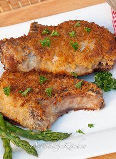 Panko Crusted Pork Chops- simple recipe to prepare to guarantee tender, juicy pork chops. Breaded Pork Chops, Juicy Pork Chops, Baked Pork, Thick Cut Pork Chops, Thick Pork Chop Recipe, Oven Baked, Pork Chop Recipes, Meat Recipes, Dinner Recipes
