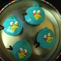 More Angry Bird Cupcakes.