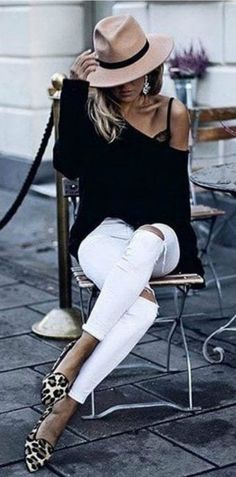 Love her style. Steal Her Style. This is about as ALL BLACK as you can get with white jeans | How to Wear White Jeans this Summer - 16 Stylish Outfits