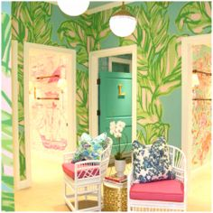 Lilly Pulitzer International Plaza Fitting Room Area in Tampa
