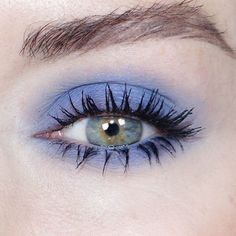 Katie Jane Hughes Eye Makeup Ideas | Smokey blue eyeshadow + fanned full lashes
