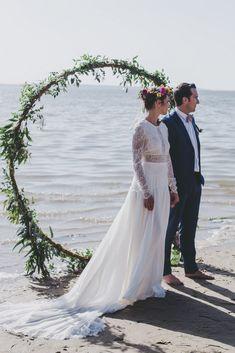 Arche ronde pour une cérémonie laïque sur la plage