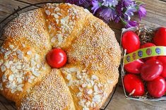 Kitchen Stories: Traditional Greek Easter Bread Greek Easter Bread, Easter Bread Recipe, Easter Recipes, Easter Ideas, Kitchen Stories, Sweet Bread, Bagel, Bread Recipes, Traditional