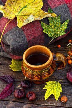 Ceaiul reprezinta un amestec inedit de arome si culori ce ne vor incanta simturile...  Http://livadacuceai.ro/roasted-almond-rooibos-q-124-568