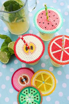 Bügelperlen als Abdeckung fürs Sommergetränk – fantastisch bunte Idee *** DIY Iron Beads for Summer Drink Cover Iron-on beads as cover for the summer drink – fantastic colorful idea *** DIY Iron Beads for Summer Drink Cover … Diy Home Crafts, Crafts To Do, Bead Crafts, Kids Crafts, Easter Crafts, Preschool Crafts, Perler Beads, Fuse Beads, Summer Crafts For Kids