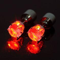 Tündökölj Te is a világító LEDes fülbevaló viselése közben!  www.partyfashion.eu  #világító #LEDes #fülbevaló