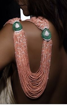 Necklace by Scavia. Don't know which gem the bead strands are made of, but the medallions are huge emeralds. Coral Jewelry, India Jewelry, Statement Jewelry, Gemstone Jewelry, Diamond Jewelry, Beaded Jewelry, Unique Jewelry, Fine Jewelry, Jewelry Necklaces