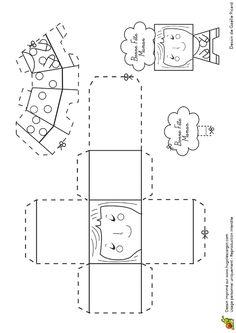 Pliage et coloriage d'un paper toys tenue hippie pour la