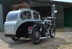 Motorcycle Campers, Motorcycle Engine, British Motorcycles, Cars And Motorcycles, Bike With Sidecar, Custom Bikes, Cool Bikes, Bobber, Antique Cars