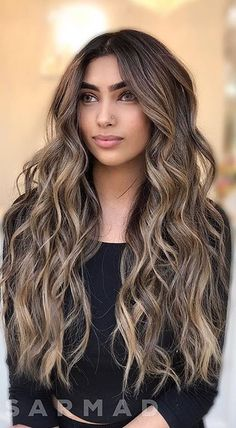 Hair color Black Hair Ombre, Best Ombre Hair, Brown Blonde Hair, Ombre Hair Color, Brunette Hair, Dark Hair, Curly Hair Styles, Natural Hair Styles, Balayage Blond