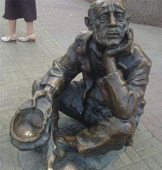 Оригинал взят у kolybanov в Опрос: С чего (по вашему мнению) начинается бедность? Официально считается, что бедность это доход на душу меньше прожиточного минимума…