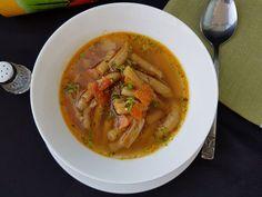 Ciorba de fasole verde de post - Bucataresele Vesele Thai Red Curry, Ethnic Recipes, Food, Green, Essen, Meals, Yemek, Eten