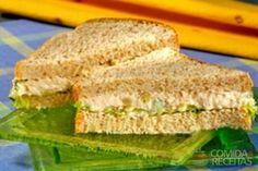 Receita de Sanduíche saudável de frango em receitas de paes e lanches, veja essa e outras receitas aqui!