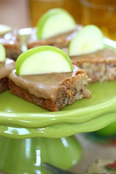 Delicious and Easy Apple Cake