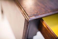 Pembroke#1.0_Pic4          Antiker Pembroke table mit einklappbaren, abgerundeten Seitenflügeln, drawer und originalen Rollen.  Detailaufnahme. British, Furniture, Restore, Home Furnishings, Arredamento