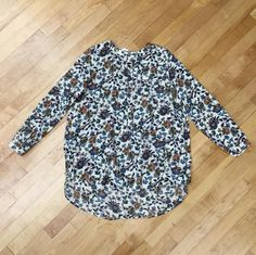 How beautiful is this floral tunic?