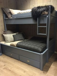 Like this but painted in lighter shade. not blocking window Log Cabin Homes, Cottage Homes, Bunk Beds For Boys Room, Bed Nook, Summer Cabins, Furniture, Design, Home Decor, Bunk Beds