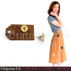 Estos #pendientes dorados Botón conjuntan con todo tipo de prendas y colores y son muy monos ★ 4'50 € en http://www.conjuntados.com/es/pendientes-dorados-botones.html ★ #novedades #earrings #conjuntados #conjuntada #joyitas #lowcost #jewelry #bisutería #bijoux #accesorios #complementos #moda #fashion #fashionadicct #picoftheday #outfit #estilo #style #GustosParaTodas #ParaTodosLosGustos