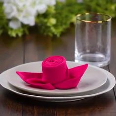 10 Wow-worthy Napkin Folds Diy Craft Table fold up craft table diy Napkin Folding Video, Cloth Napkin Folding, Folding Paper Napkins, How To Fold Napkins, Wedding Napkin Folding, Diy Home Crafts, Diy Arts And Crafts, Christmas Napkins, Christmas Tree Napkin Fold