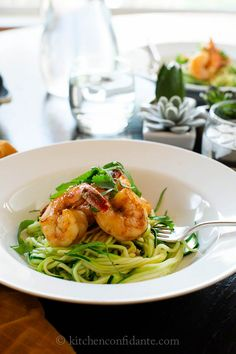 Looks yummy. Spicy Shrimp with Zucchini Noodles Recipe - If I were to diet, this is just the type of food I would eat. Spicy and satisfying, the Asian-style shrimp spiked with sriracha pairs great with healthy ribbons of zucchini noodles. Seafood Dishes, Seafood Recipes, Cooking Recipes, Healthy Recipes, Protein Recipes, Free Recipes, Zucchini Noodle Recipes, Zucchini Noodles, Zucchini Spaghetti
