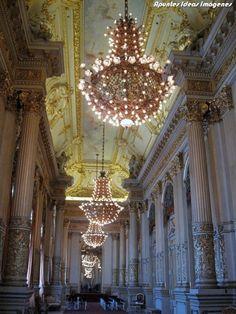 Salón Dorado. Visita al Teatro Colón #buenosaires #argentina #viajes Chandelier, Ceiling Lights, Lighting, Decor, Buenos Aires, Theater, Cities, Culture, Viajes