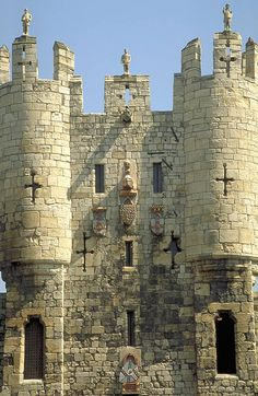 Micklegate Bar, York, UK an ancient entrance to the city of York. Micklegate Bar is by tradition one of the most important ceremonial entrances to York, through which Kings and Queens would enter the city.
