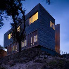 Port Fairy House 2 | Port Fairy, Victoria, Australia | Farnan Findlay Architects | photo by Brett Boardman
