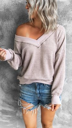 Fall Winter Outfits, Summer Outfits, Casual Outfits, Cute Outfits, Vneck Outfit, Cute Sweaters For Fall, Summer Sweaters, Jeans For Short Women, Autumn Fashion Casual