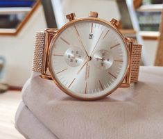 men's rose gold chronograph watch features a reliable Japanese movement and a rose gold mesh strap. The white dial has a date window and features scratch resistant hardened mineral glass with a water resistance of Mens Fashion Blazer, Mens Fashion Week, Fashion Boots, Men's Fashion, Casual Watches, Watches For Men, Mens Toys, Just For Men, Expensive Watches