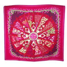 46afd3aad167 Carré 90x90 Hermès Rose Soie réf. A48203 - Instant Luxe Carré Hermes, Soie,