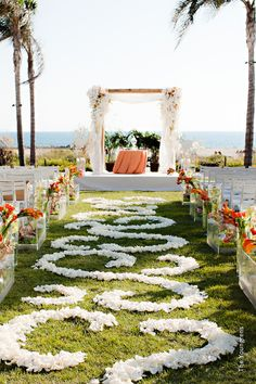 Want to get married in a beach side ceremony? Our venue experts will guide you to find your aisle in the sun.