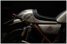 1976 Kawasaki - 'La Latina - Pipeburn - Purveyors of Classic Motorcycles, Cafe Racers & Custom motorbikes Kawasaki Cafe Racer, Kawasaki Motorcycles, Classic Motors, Classic Bikes, Bobber Custom, Custom Motorcycles, Moto Cafe, Cafe Racer Motorcycle, Dirtbikes