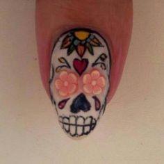 Resultado de imagen para sugar skull nail art