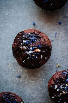 Double Chocolate Muffins with Flaked Sea Salt and Dried Flowers | My Blue&White Kitchen