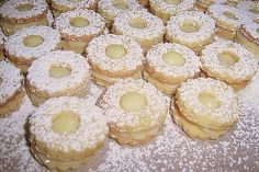 Druh receptu: Sladkosti - Page 39 of 331 - Mňamky-Recepty. Czech Recipes, Graham Crackers, Doughnut, Biscuits, Sweet Tooth, Cheesecake, Muffin, Birthdays, Food And Drink