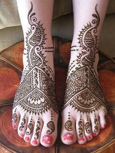 henna feet, graceful-lovely-designs.com