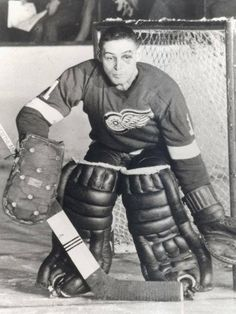 133 Best Terry Sawchuck Images In 2019 Hockey Goalie Red Wings