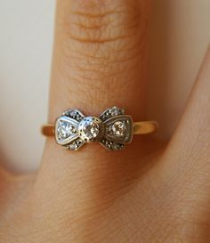 I want this bow ring!