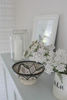 Villaa ja vaniljaa Scandinavian, Sweet Home, Vase, Table Decorations, Photos, Furniture, Design, Home Decor, Decoration Home