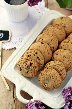 Shortbread butter cookies with chocolate (like freckles) .- Kruche maślane ciasteczka z czekoladą (jak pieguski)… shortbread butter cookies with chocolate - Gluten Free Cookie Recipes, Gluten Free Cookies, Sweet Potato Burgers, Types Of Cakes, Polish Recipes, How Sweet Eats, Cake Recipes, Good Food, Food And Drink