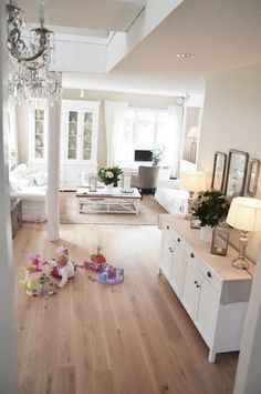Romantic living with white furniture