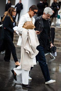 The best street style from Paris Fashion Week Spring/Summer 2020 - Page 24 Copenhagen Style, Copenhagen Fashion Week, Looks Street Style, Street Style Women, Street Styles, Vogue Paris, Mode Dope, Dior, Stylish Couple