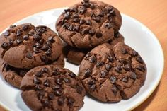Chocolate Choco Chips Cookies Recipe by Saumya Singh - Cookpad India Eggless Chocolate Chip Cookie Recipe, Chocochip Cookies Recipe, Eggless Cookie Recipes, Easy Chocolate Chip Cookies, Delicious Cookie Recipes, Brownie Recipes, Snack Recipes, Dessert Recipes, Yummy Food