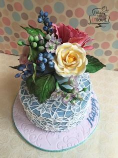 Sugar flowers and brush embroidery lace cake - Cake by Cakes from D'Heart