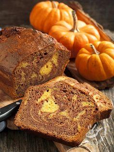 Variegated plum cake with pumpkin and chocolate - Se siete amanti dei plumcake e vi piace sperimentare varianti via via diverse, provate la ricetta del Plumcake variegato alla zucca e cioccolato!