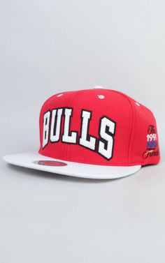 ae08064077e Throwback with the exclusive and limited edition Mitchell   Ness Chicago  Bulls NBA FINALS