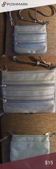 Liz Claiborne Crossbody Bag Great color! Excellent condition. Pockets include zip pocket inside. Liz Claiborne Bags Crossbody Bags